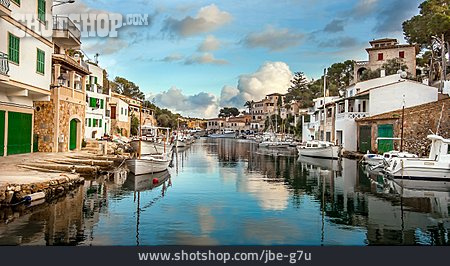 Harbour, Cala Figuera