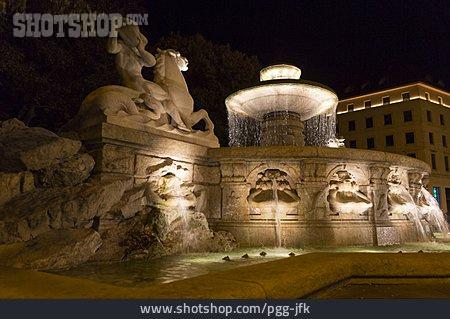 Munich, Lenbachplatz, Wittelsbach Fountain