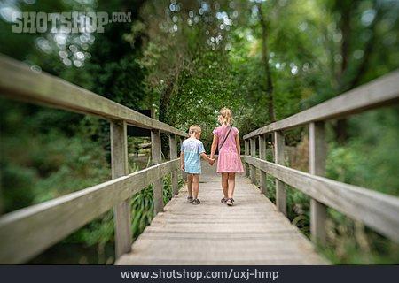 Hiking, Hold, Siblings