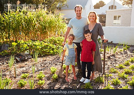 Family, Vegetable Garden, Group Picture