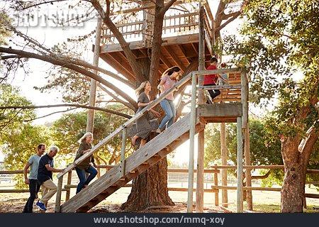 Family, Upward, Tree House