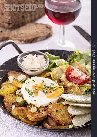 Meal, Austrian Cuisine, Tiroler Gröstl