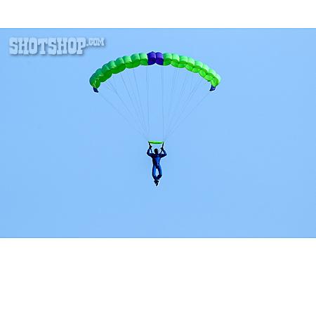 Paragliding, Parachutist