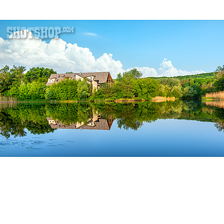 House, Lake