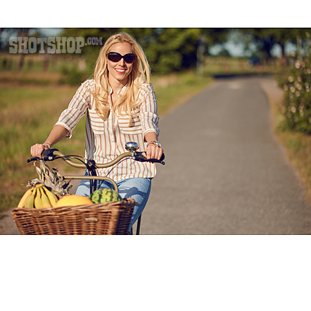 On The Move, Bicycle, Cyclist