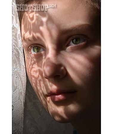 Sunlight, Face, Footprint