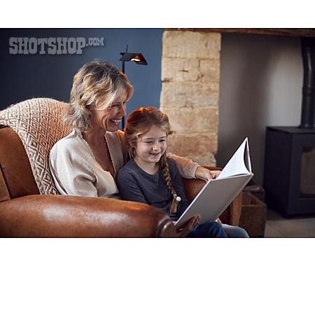 Grandmother, Reading, Granddaughter